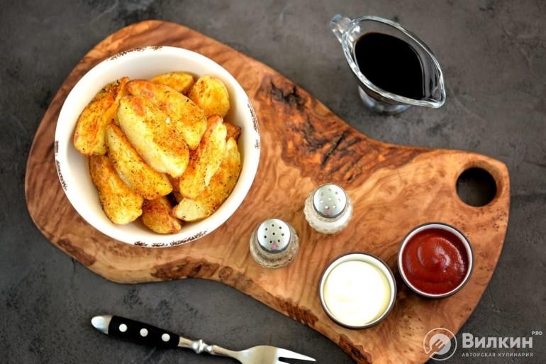 Картофель в духовке дольками