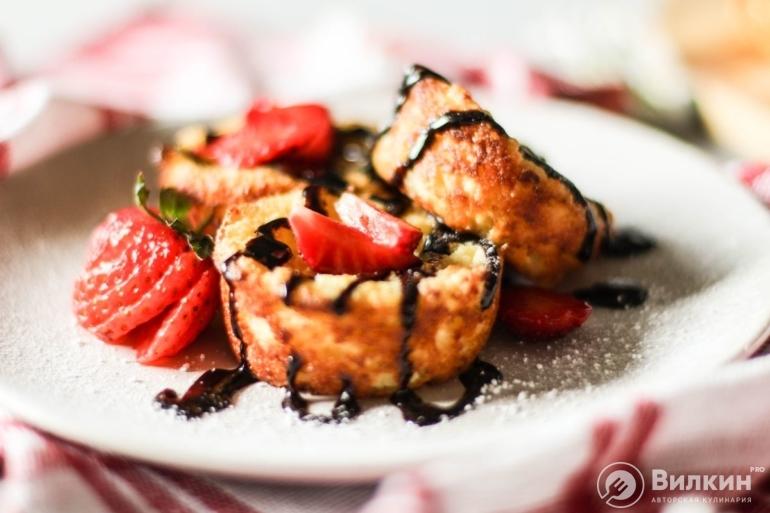 Сырники из творога с манкой в духовке: вкусные и пышные