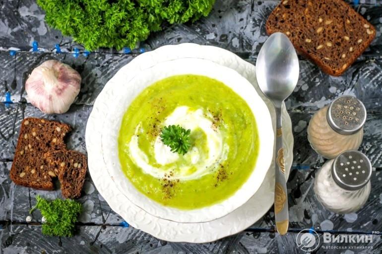 Крем-суп из кабачков со сливками