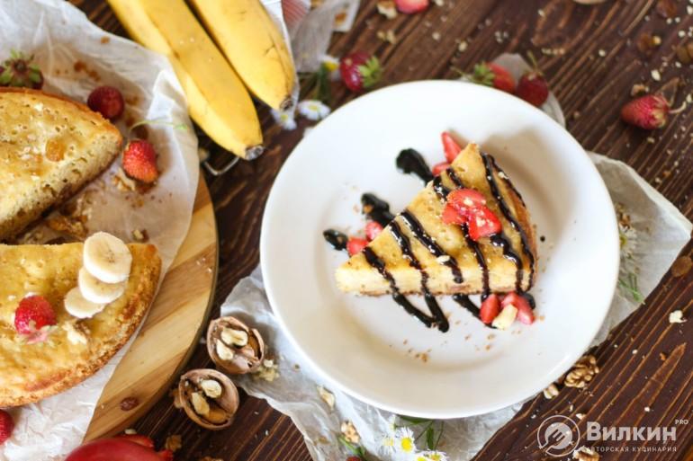 манник с ягодами и сиропом