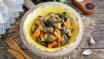 тушеные овощи с кабачками и баклажанами