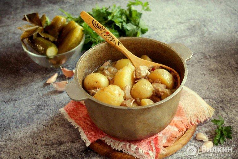 картошка с куриным мясом в казане
