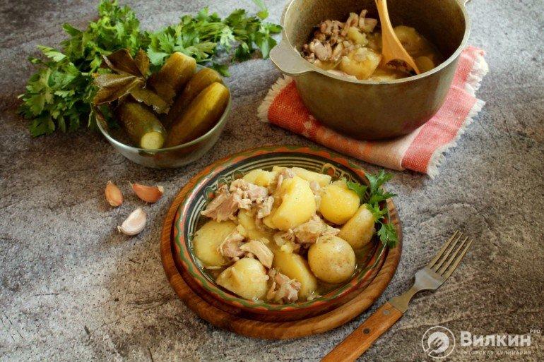 Тушеная курица с картошкой в казане