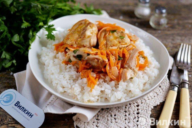 рис с тушеной курицей