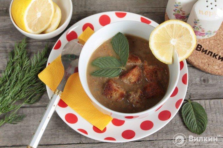 порция чечевичного супа