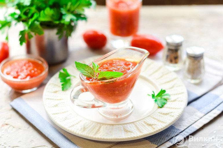 томатный соус в соуснике