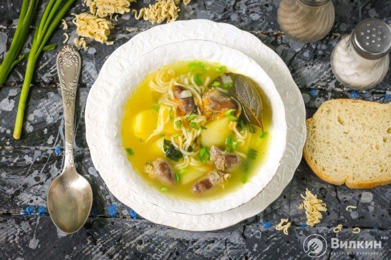 Суп с макаронами, картошкой и куриными сердечками