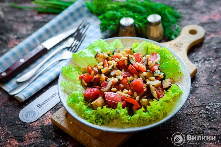 порция теплого салата