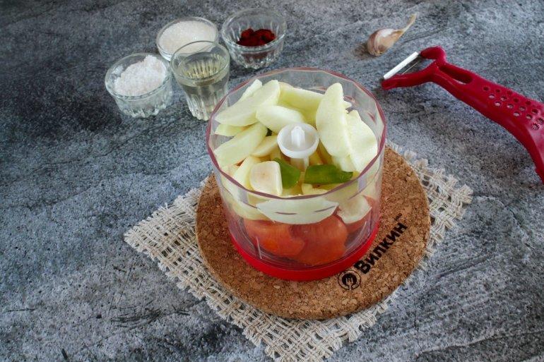 добавление яблок и чеснока