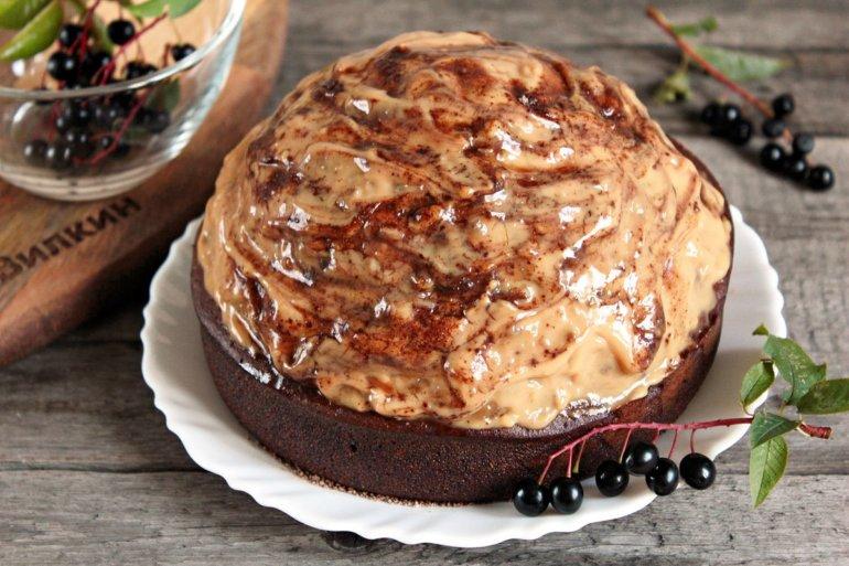 торт из бисквитного теста с кремом