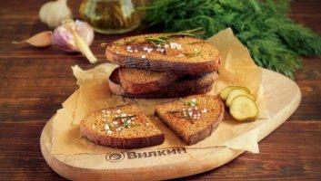 чесночные гренки из черного хлеба