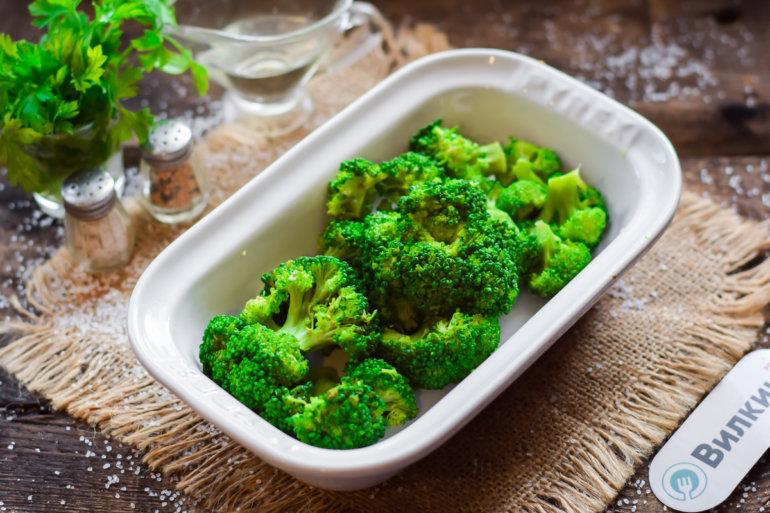 закладка овоща в форму