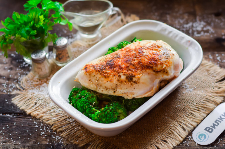 курица с брокколи в духовке