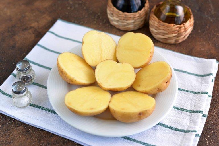картофельные половинки