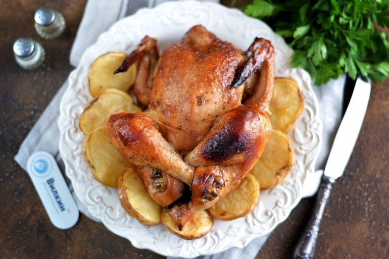 курица целиком с картошкой