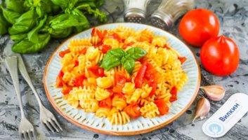 паста с сочными помидорами