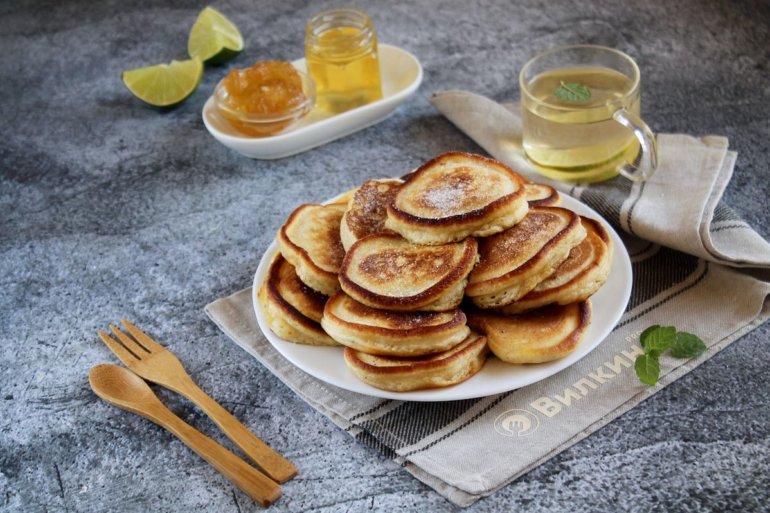 оладьи на кислом кефире к завтраку