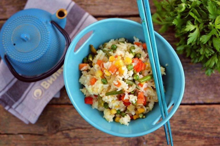 порция риса по-мексикански