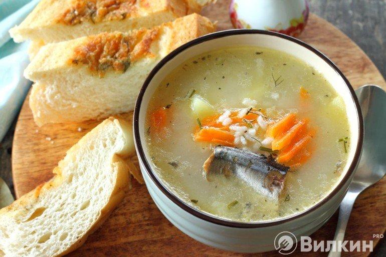 Рыбный суп из консервы с рисом