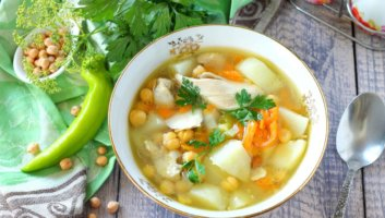 суп с нутом и курицей