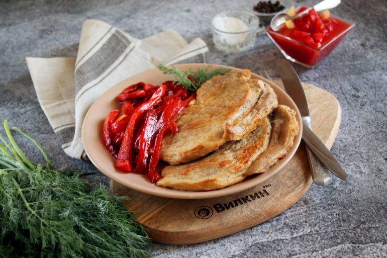 Шницели из свинины с болгарским перцем