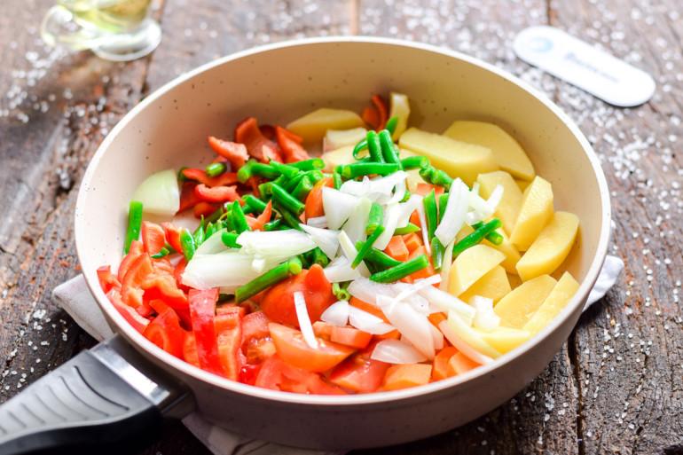 тушение овощей в сковороде