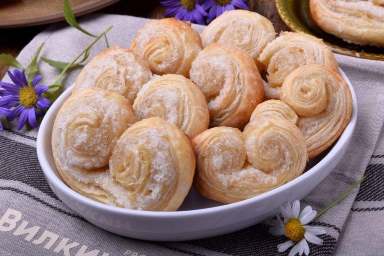 Печенье «Ушки» из слоеного теста с сахаром