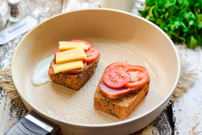 выкладка сыра и помидоров