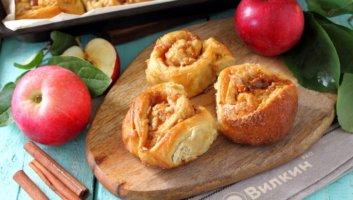 булочки с яблоком и корицей