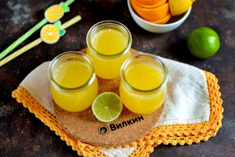 лимонад из лимона, лайма и апельсина
