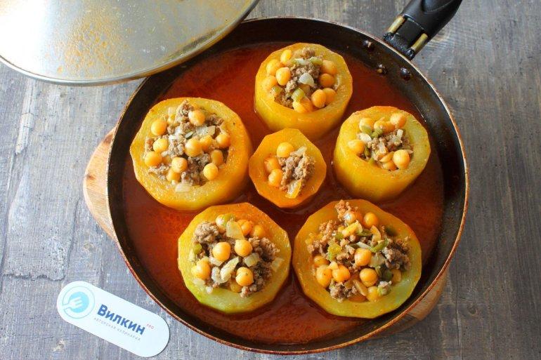 кабачки с фаршем на сковороде