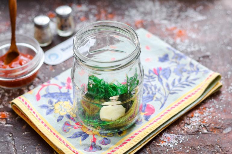 укладка зелени и чеснока
