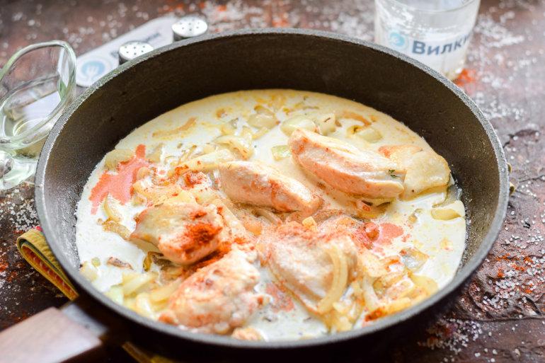 при этом рыба в сметане на сковороде рецепт с фото такими клиторами