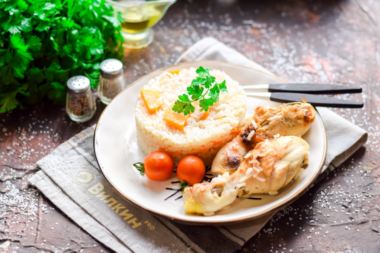 Куриные ножки с рисом в духовке
