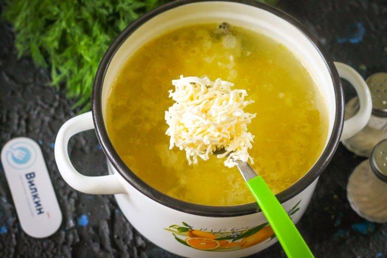 добавление сыра в бульон