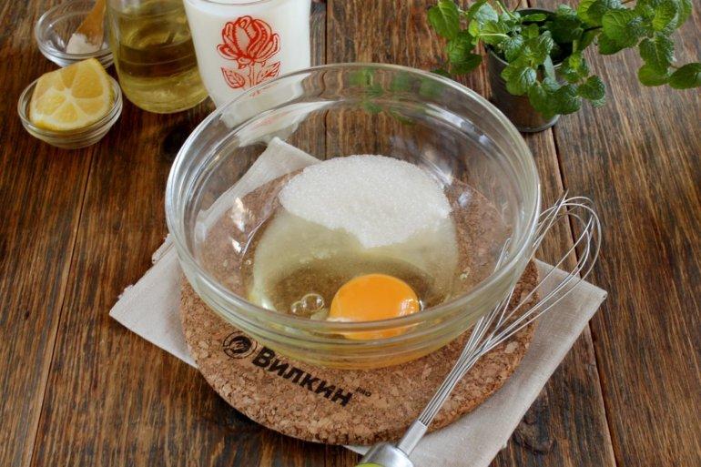 яйца и сахар