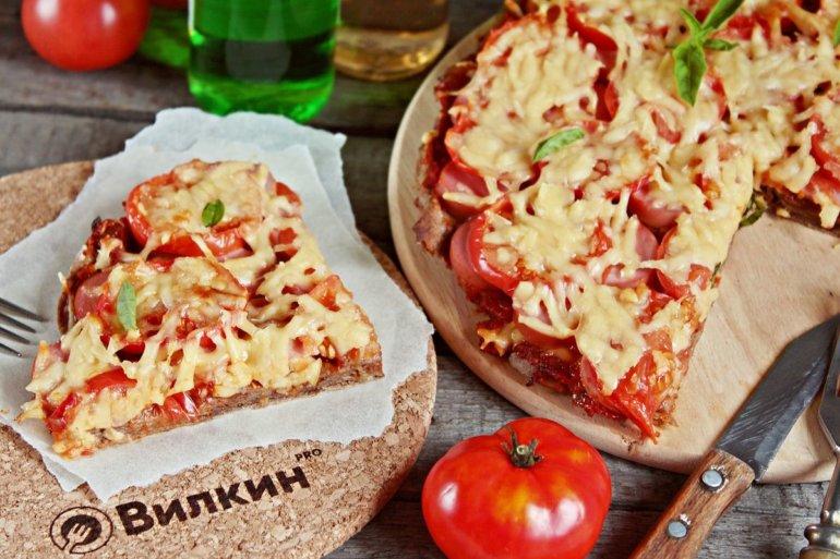 кусочек пиццы на лаваше