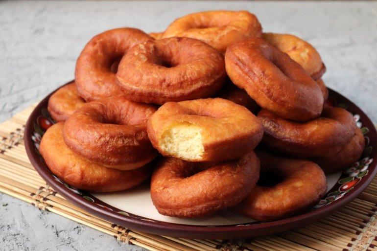 Пончики на дрожжах и молоке в домашних условиях