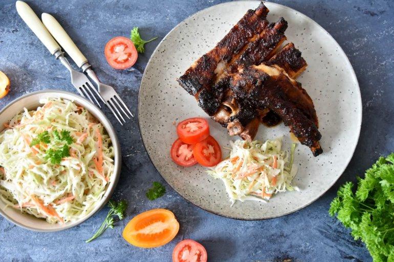 Ребра барбекю в ромовом маринаде
