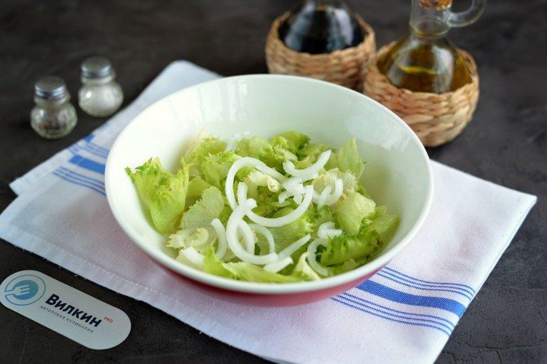листовой салат и лук