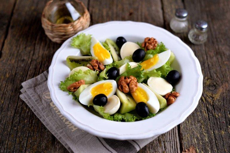яйца и маслины