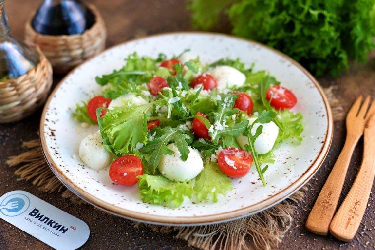 порция легкого салата