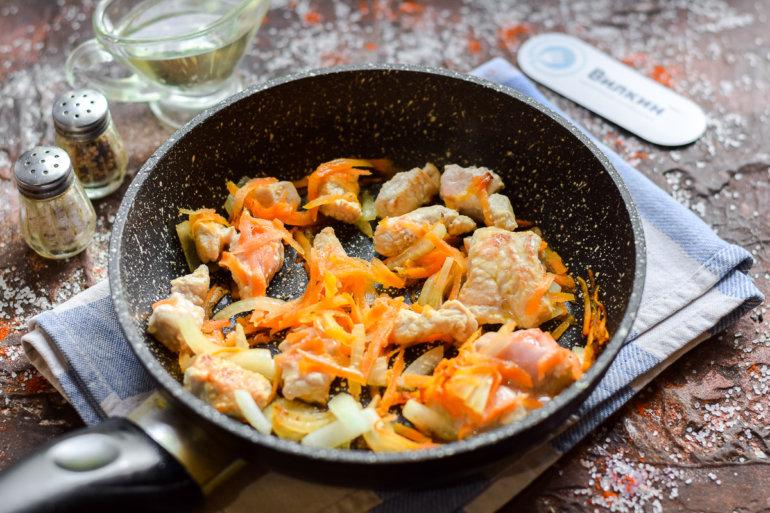 обжарка овощей с мясом на сковороде