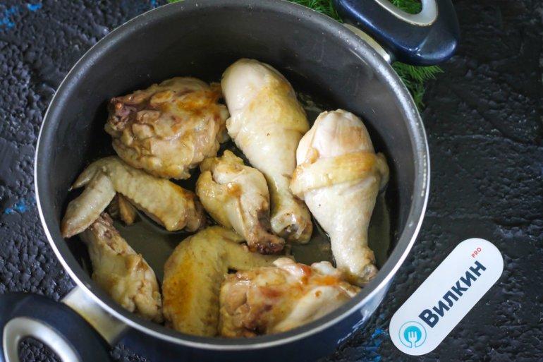 обжаренные части курицы