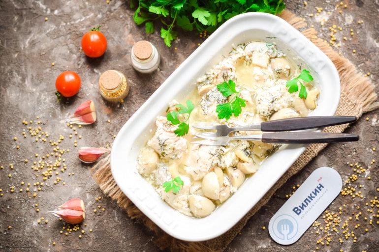 куриное филе, запеченное с грибами