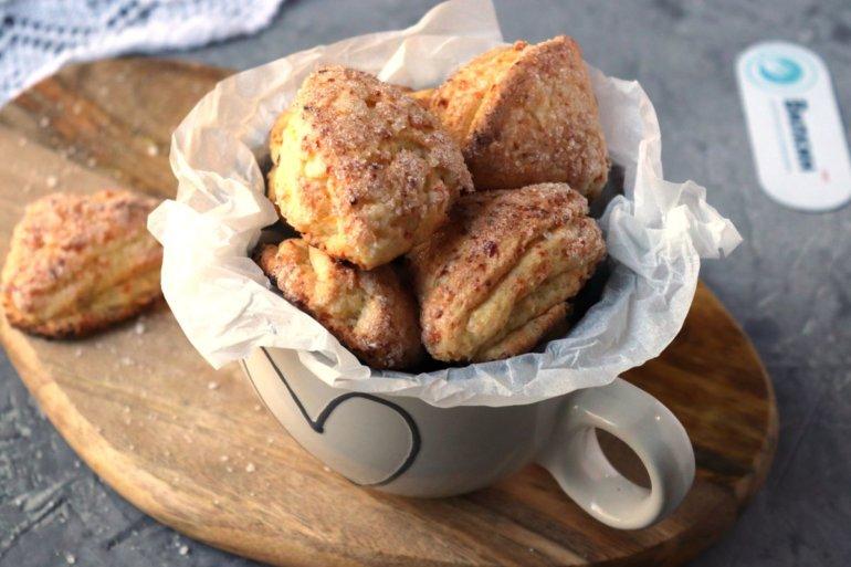 подача печенья на стол
