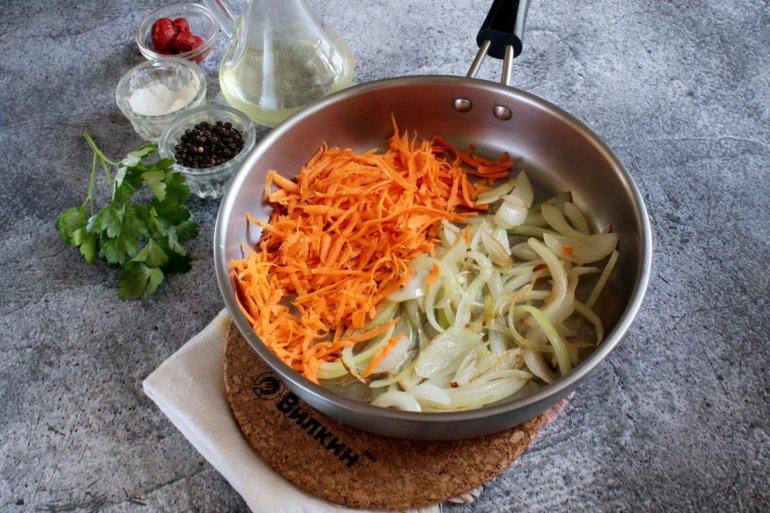 пассеровка лука и моркови
