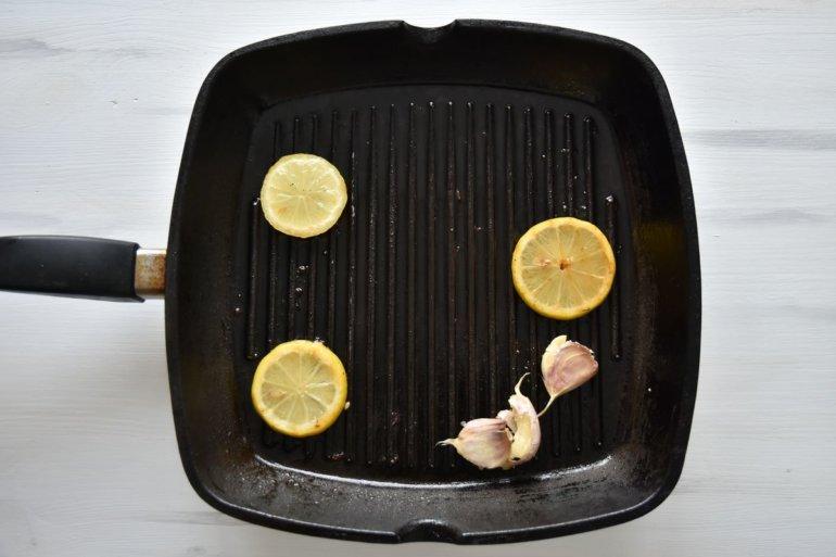 обжарка лимона с чесноком