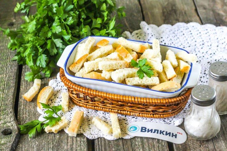 Сухарики из белого хлеба в духовке