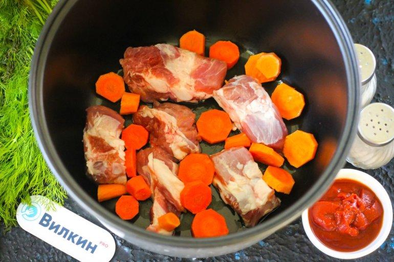 обжарка ребер и моркови